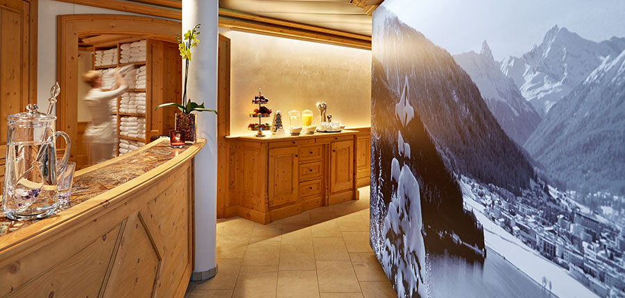 Stübl, Hotel Seehof, Davos, Graubünden, Switzerland - spa reception.jpg